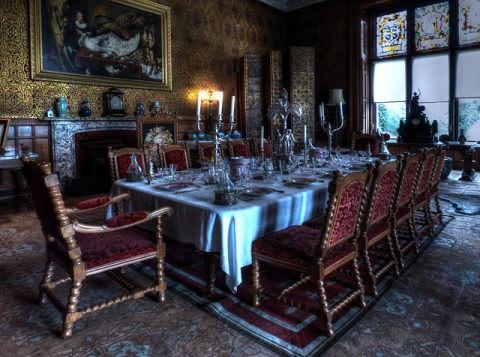 home interior using antique