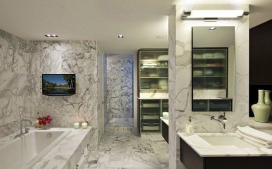 bathroom minimalist touch
