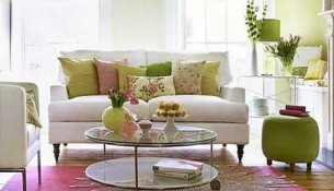decorating with cushions
