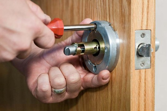 searching for locksmith