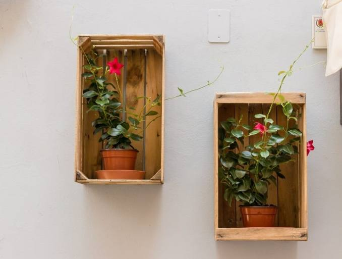 flowerpots wooden decor