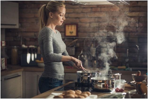 choosing essential cookware